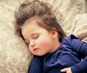 11 sanity-saving tips to help your toddler sleep through the next PCS